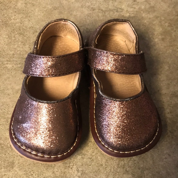 SQUEAKERS BROWN TAN Leather Toddler Boys Size 8 Squeaky